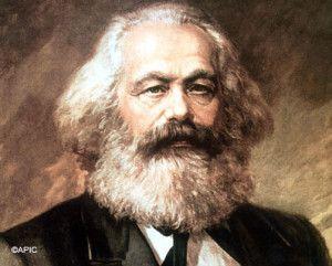 La irrupción externa impidió que el proceso de desarrollo de las fuerzas productivas siguiera el curso descubierto por Marx...