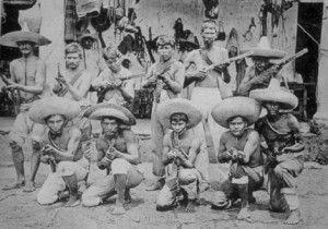 Por el momento histórico en que se produce, por los rasgos del modo de producción que predominaba en México y por las clases sociales que conformaban su sociedad, la Revolución Mexicana no podía tener un carácter socialista...