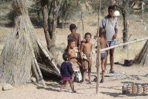 Niños del Kalahari