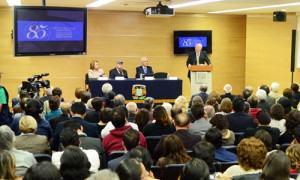 Estela Morales, Pablo González Casanova, el titular del US y el rector José Narro. Fotos: Juan Antonio López y Víctor Hugo Sánchez.