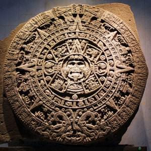 """""""Pero habían llegado a un alto nivel en algunas de las superestructuras sociales. Su astronomía y su cronología eran perfectas para su tiempo. Su calendario, formado siglos antes de nuestra Era, tenía un valor superior a los calendarios Juliano y Gregoriano..."""""""