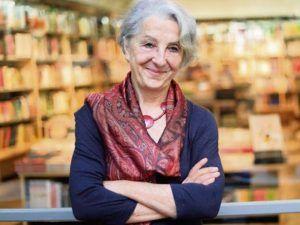 Autora del libro En combate.