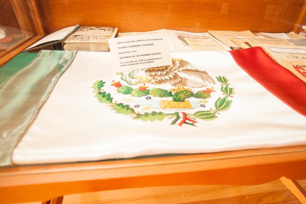 Bandera Vicente Lombardo